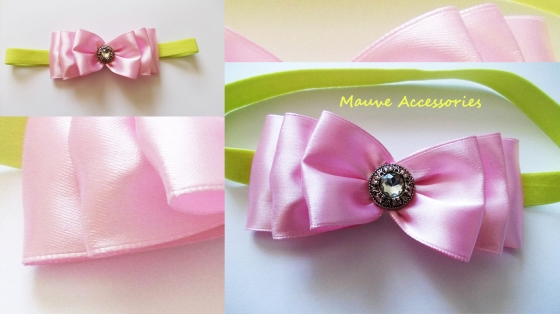 Pink bow-col